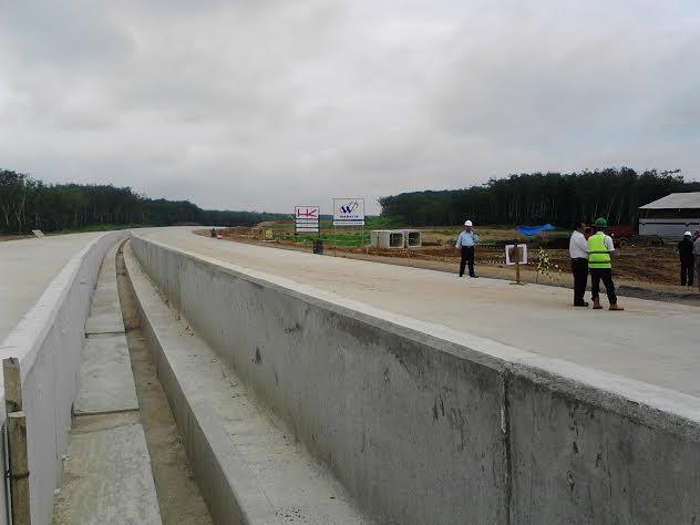 Kondisi pembangunan Jalan Tol Trans Sumatera, Kamis 11/2/2016. | Arif Wiryatama/Jejamo.com