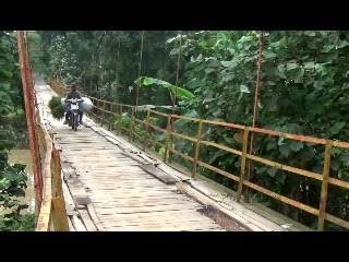 Warga Buana Sakti Lampung Timur Harapkan Jembatan Permanen