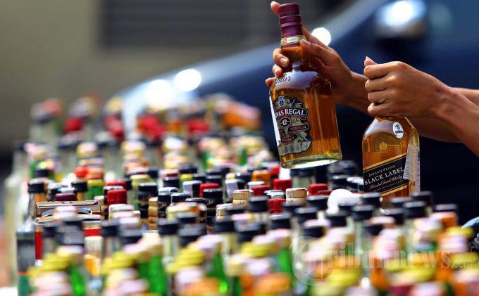 Minuman keras (Ilustrasi). | Ist.
