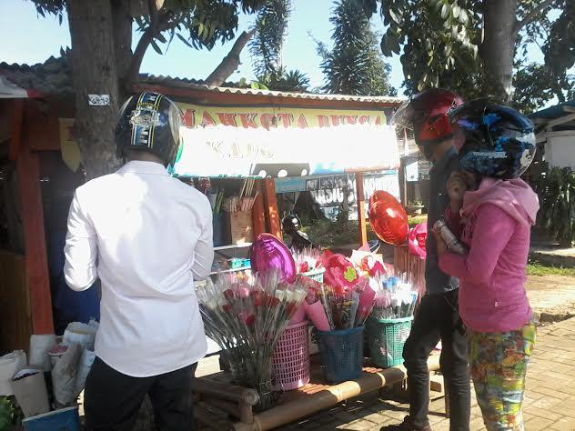 Salah penjual bunga di Bandar Lampung. | Artha Kurnia Alam/Jejamo.com