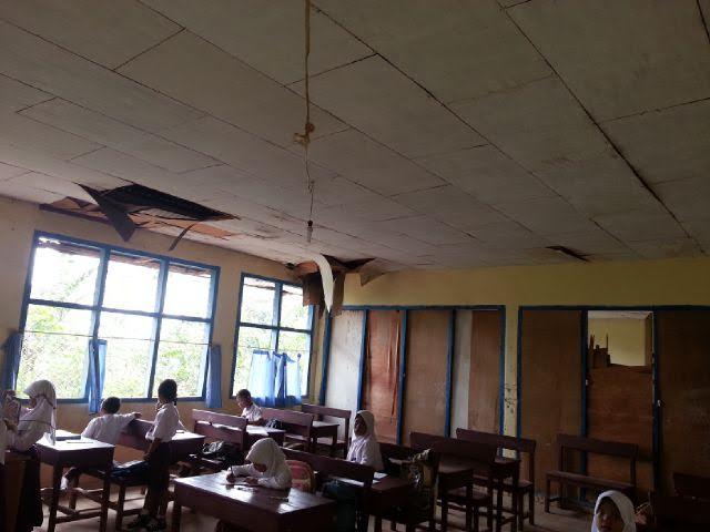 Kondisi sekolah rusak di Kecamatan Batanghari Kabupaten Lampung Timur. | Parman/Jejamo.com