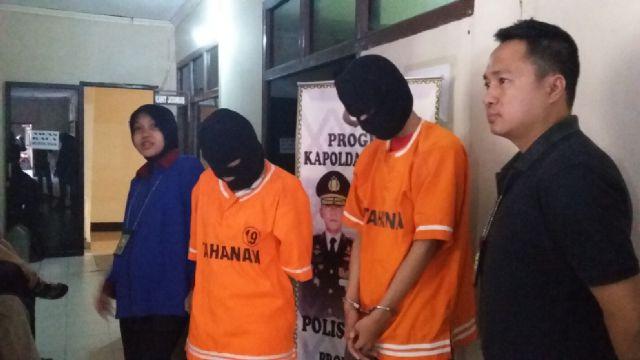 Sepasang mahasiswa di salah satu perguruan tinggi swasta di Lampung diciduk polisi karena telah menggelapkan mobil rental. | Andi/Jejamo.com