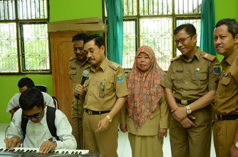 Puluhan Tahun Rusak, 3 Sekolah di Lampung Timur Tak Kunjung Diperbaiki