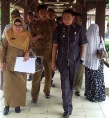 Bupati Lampung Utara Agung Ilmu Mangkunegara meninjau ruang pasien guna melihat langsung perubahan sarana dan prasarana di Rumah Sakit Umum Daerah (RSUD) HM Ryacudu Kotabumi | Prika/jejamo.com