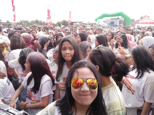 Ribuan Remaja Ramaikan Color Run Pringsewu