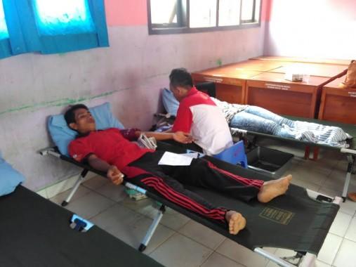 Alumni SMAN 6 Bandar Lampung Donor Darah