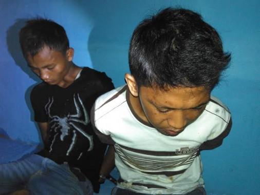 Dua Tersangka Pengiriman Narkoba
