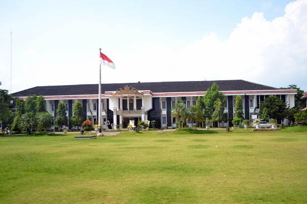 Bupati Lampung Utara Tambah Anggaran Kepala Desa dan Camat