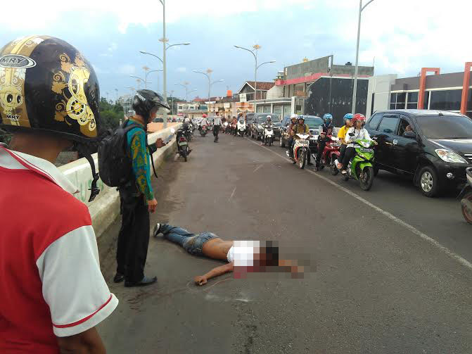 Diduga Ilegal, Keberadaan Tukang Parkir di Indomaret dan Alfamart Bandar Lampung Dikeluhkan Warga