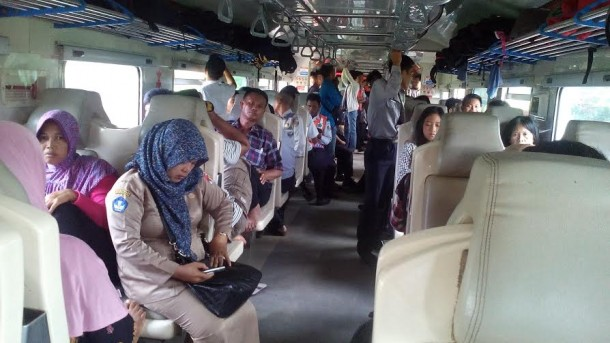 Kereta Api Masih Pilihan Utama Warga Kotabumi Dibanding Bus