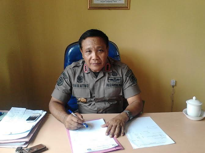Breaking News: Daihatsu Gradnmax Remuk Dihantam Kereta Babaranjang di Telukbetung