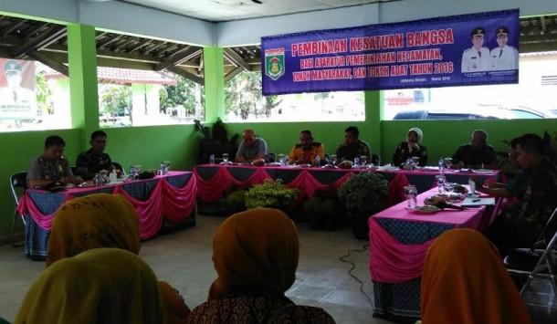 Kegiatan pembinaan kesatuan bangsa bagi aparatur pemerintahan Lamteng, Kamis, 10/3/2016 | Raeza/jejamo.com