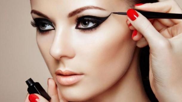 Tips Agar Make-Up Anda Tak Mudah Luntur