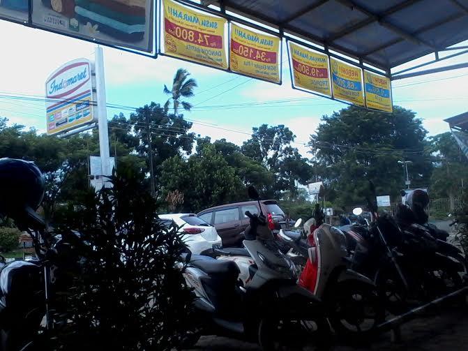 Tempat parkir di Indomaret, Jalan Soemantri Brojonegoro, Gedong Meneng, Bandar Lampung | Sigit/jejamo.com