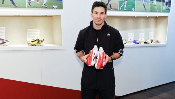 Messi Sumbangkan Sepatu, Rakyat Mesir Marah