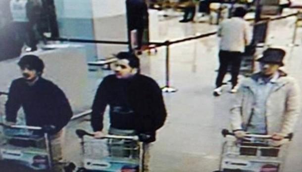 Dua Pelaku Bom Bunuh Diri Brussel Teridentifikasi CCTV Bandara