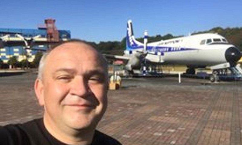 Eddie Swift ditahan setelah berfoto di Bandara Kenya. | Ist.