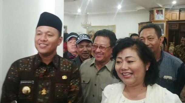 Bupati Karang Asem, Bali dan Bupati Lampung Tengah, Mustafa