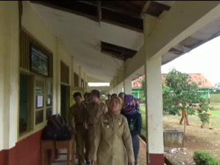 Awalnya Sulit, Siswa SLB PKK Lampung Bisa Kerjakan Soal UN Hari Kedua