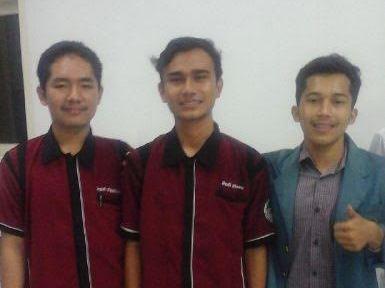 Dafri Maulana (tengah), pemimpin umum baru UKMF Natural MIPA Universitas Lampung. | Ist