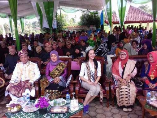 Putri Indonesia Lingkungan Felicia Hwang Terkesan Dengan Obyek Wisata Lampung Timur