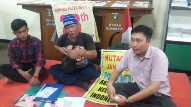 Jalan Kaki Keliling Indonesia Cari Keadilan, Indra Azwan Minta Tanda Tangan Gubernur Lampung