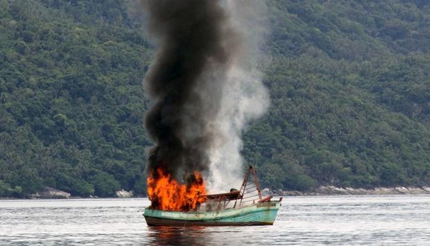 Kapal pencuri ikan dihancurkan | ist
