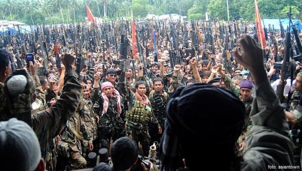 Partai Liberal Filipina Minta Bantuan Kelompok Islam Moro Hadapi Abu Sayyaf