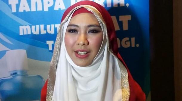Petisi Boikot Ustadzah Oki Setiana Dewi Ramai Ditandatangani Netizen