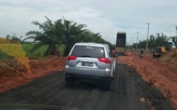 Komisi III DPRD Lampung Tengah Tuding PT GGPC Tebarkan Limbah Beracun untuk Pengerasan Jalan
