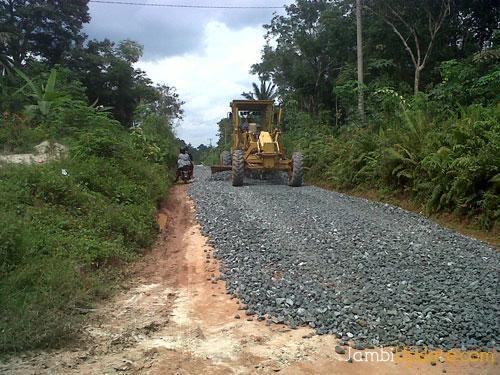 Warga Bandar Sakti Lampung Utara Harapkan Pengerasan Jalan Pertanian