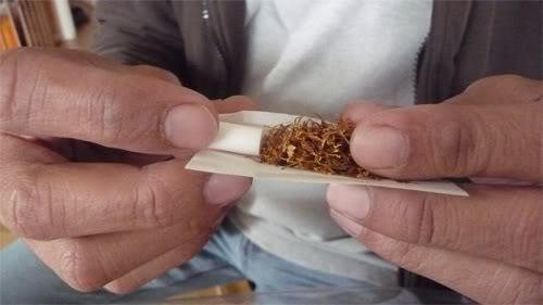 Setelah Sempat Ditinggalkan, Rokok Lintingan Kini Kembali Digemari