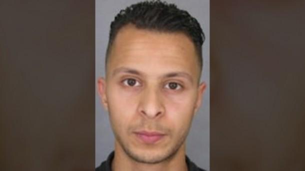 Tak Jadi Ledakkan Diri, Ini Pengakuan Teroris Paris Salah Abdeslam