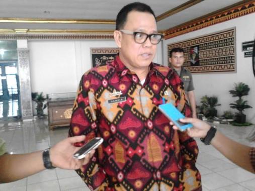 Sekretaris Daerah Lampung Utara diwawancarai usai rapat evaluasi, Kamis, 7/4/2016 |Lia/Jejamo.com