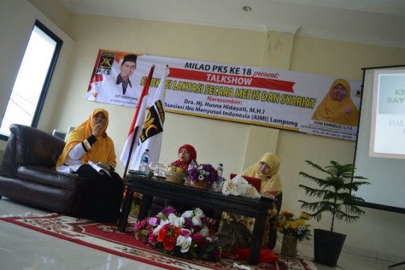 Talkshow Edukasi Laktasi Secara Medis dan Syariat yang diadakan DPD PKS Bandar lampung di aula kantor partai setempat, Minggu, 17/4/2016. Acara ini bekerja sama dengan Asosiasi Ibu Menyusui Indonesia (AIMI) Lampung. | Ist