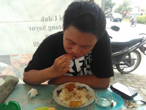Ini Tips Bikin Uduk Jengkol Maknyus dari Mentari di Bandar Lampung