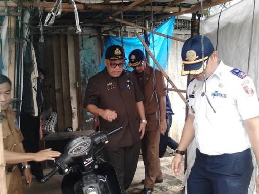 Sekda Lampung Utara Tinjau Lokasi Parkir Sejumlah Pasar