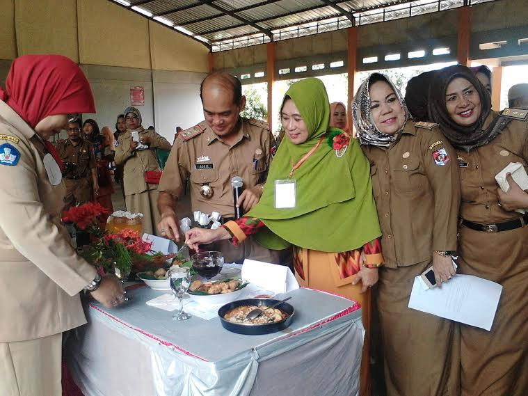 Budayakan Makan Ikan, DWP Disdik Lampung Utara Gelar Lomba Masak Olahan Ikan