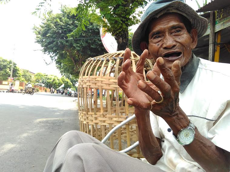 Penderita Lumpuh di Sekampung Lampung Timur Ini Belum Pernah Tersentuh Bantuan