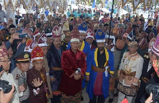 Bupati Lampung Tengah, Dr. Ir. Mustafa bersama tokoh nasional Surya Paloh dan Kapolda Lampung, Brigjen Polisi Ike Edwin. | Raeza/Jejamo.com