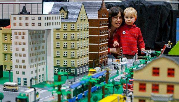 Uniknya Pameran Bangunan Ikon Dunia dari Mainan Lego