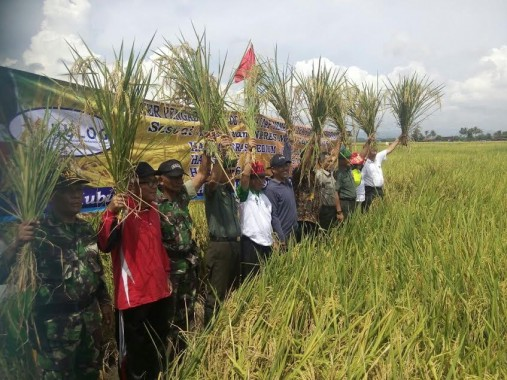 Bupati Lampung Timur Terima Aspirasi Puluhan Petani