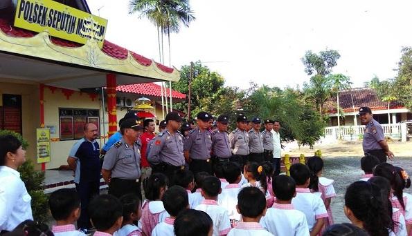 Mengintip Keseruan Anak-anak PAUD Lampung Tengah Berkunjung ke Kantor Polisi