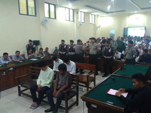 Sidang putusan pembunuhan terhadap siswa SMKN 2 Bandar Lampung Dwiki Dwi Sofyan di Pengadilan Negeri Tanjungkarang, Selasa, 12/4/2016. | Andi Apriyadi/Jejamo.com