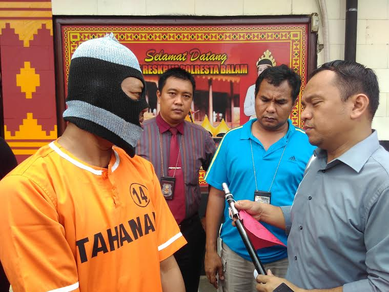 Berebut Isi BBM, Dua Sopir Adu Jotos di SPBU Bandar Lampung
