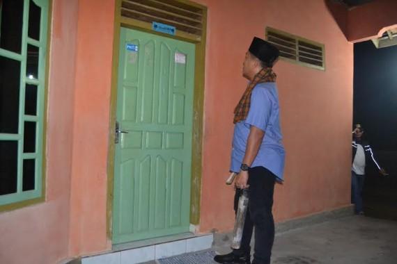 Advertorial: Ketuk Pintu Rumah Warga, Bupati Lampung Tengah Ajak Warga Giat Siskamling