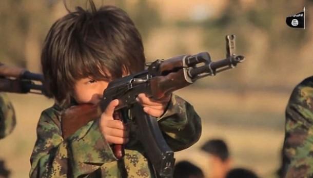 ISIS Latih Anak-anak Indonesia Jadi Mesin Pembunuh di Suriah