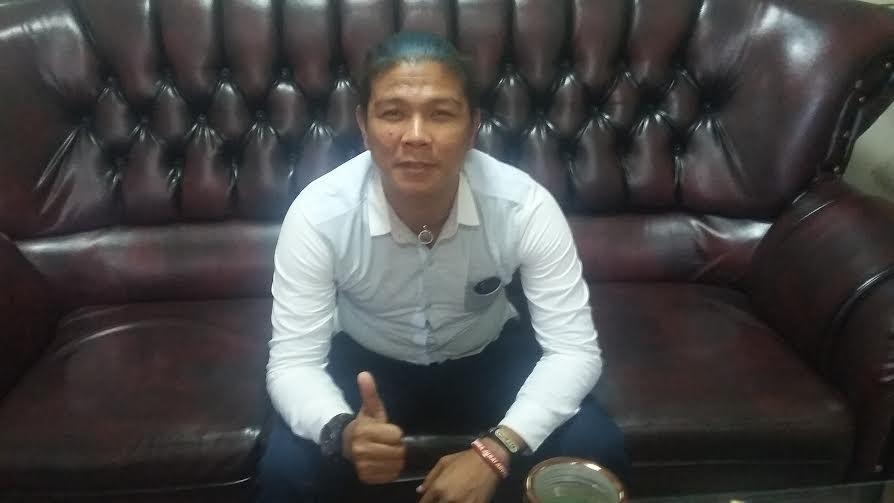 Andika Mahesa, eks vokalis Kangen Band,  saat diwawancarai jejamo.com di lingkungan Kantor DPRD Provinsi Lampung, Rabu, 11/5/2016 | Tama/jejamo.com