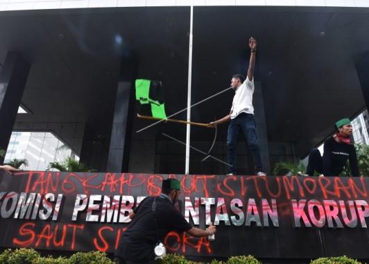 Demo HMI di Gedung KPK