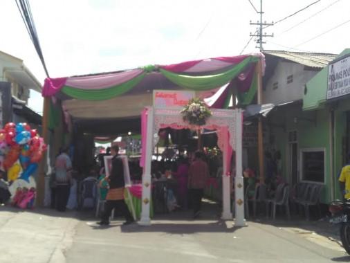 Pesta pernikahan di Jalan Arjuna, Kampungsawah, Tanjungkarang Timur, Bandar Lampung, Minggu, 8/5/2016. | Andi Apriyadi/Jejamo.com